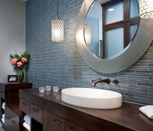 bathroom-with-round-creative-vanity-mirrors