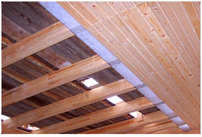 Как утеплить потолок в бане своими руками?