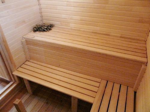Фото полок в бане