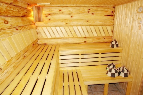 Декорированная деревянная парная