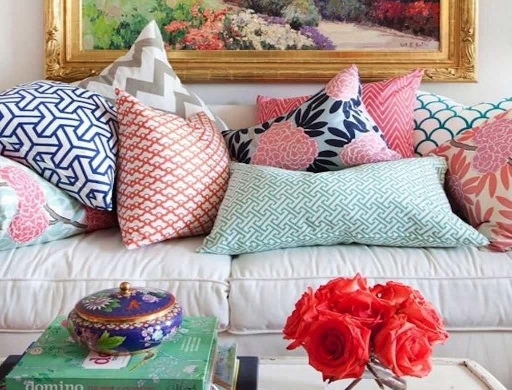 Декоративные подушки украсят интерьер