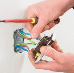 kachestvennyj montazh elektroprovodki v dome zalog bezopasnosti